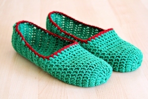 how-to-make-simple-crochet-slippers-17