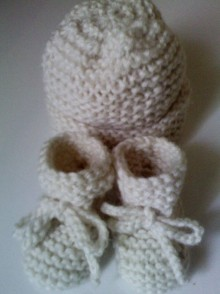 joyful knitted hat and booties - Edited